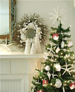 beach-christmas-decor-ideas-10-554x676.jpg